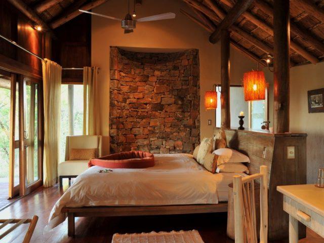 Hoyo-Hoyo Safari Lodge